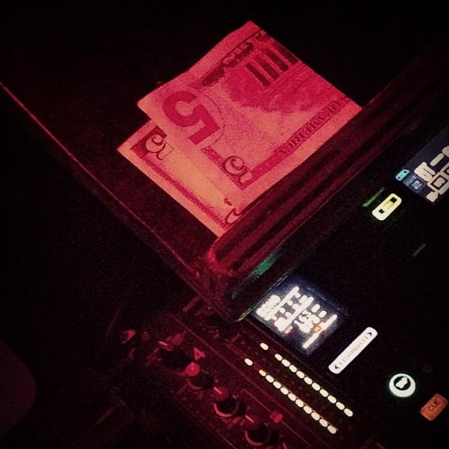 Money pull up inside @santospartyhouse x @riceandpeasparty x @freedompartynyc. Happy birthday @spliffingt0n.