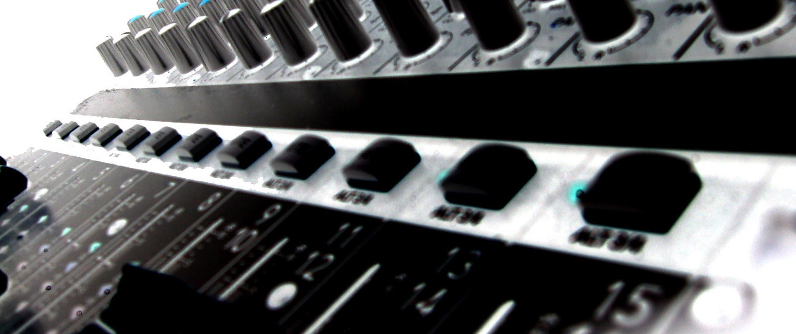 Mixing Board Invert Crop