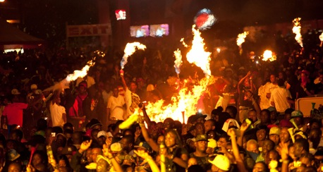 crowd on fire Reggae Sumfest 2011 Dancehall Night